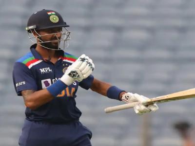 Krunal Pandya- 10वीं में तीन बार फेल, सरकारी नौकरी का ऑफर ठुकरा बनें क्रिकेटर, दिलचस्प है कहानी!