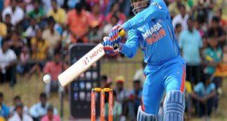 वीरेन्द्र सहवाग की तूफानी बल्लेबाजी, 20 गेंदों में अर्धशतक, इंडिया को मिली 10 विकेट से जीत!