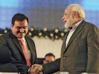 आपके विकास के पीछे नरेन्द्र मोदी का हाथ, सवाल पर ऐसा था गौतम अडानी का जवाब, वीडियो