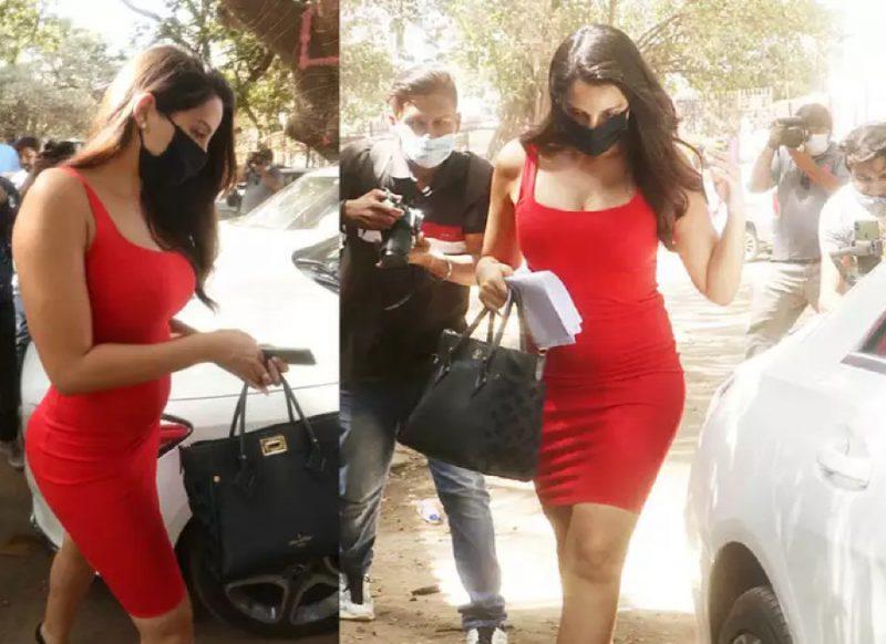स्किन टाइट लाल ड्रेस पहनकर निकली नोरा फतेही, तस्वीरें लेने की मची होड़!