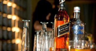 1 बोतल शराब के लिये वसूले थे 70 हजार रुपये, अब 3 पुलिस वाले सस्पेंड, जानिये पूरा मामला