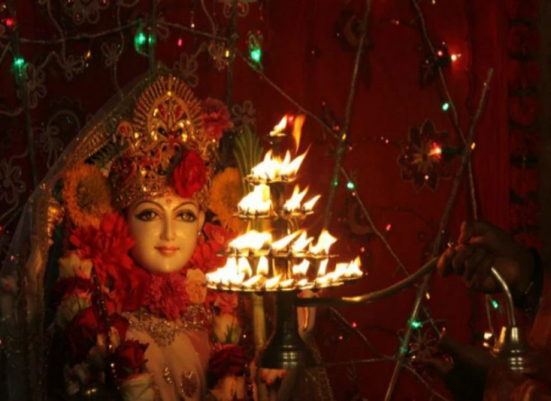 चैत्र नवरात्रि: अष्टमी तिथि पर करें ये उपाय, सारे दुखों से मिलेगा छुटकारा