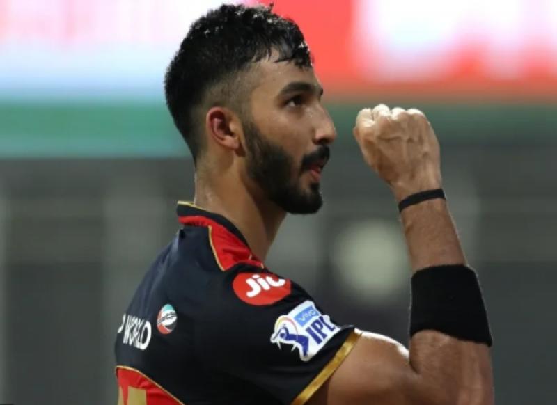 Devdutt Padikkal- कोरोना को मात देकर टीम में लौटा, शतक लगाकर रिकॉर्ड्स की झड़ी