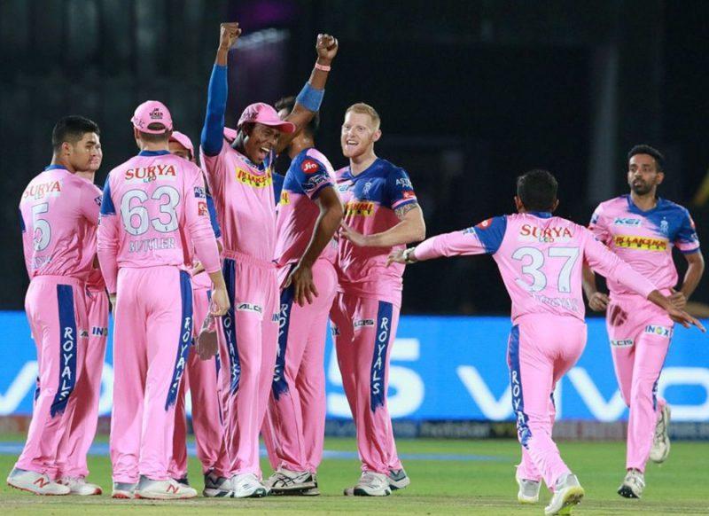 मझधार में फंसी राजस्थान रॉयल्स, बीच टूर्नामेंट में साथ छोड़ गये 4 विदेशी खिलाड़ी!
