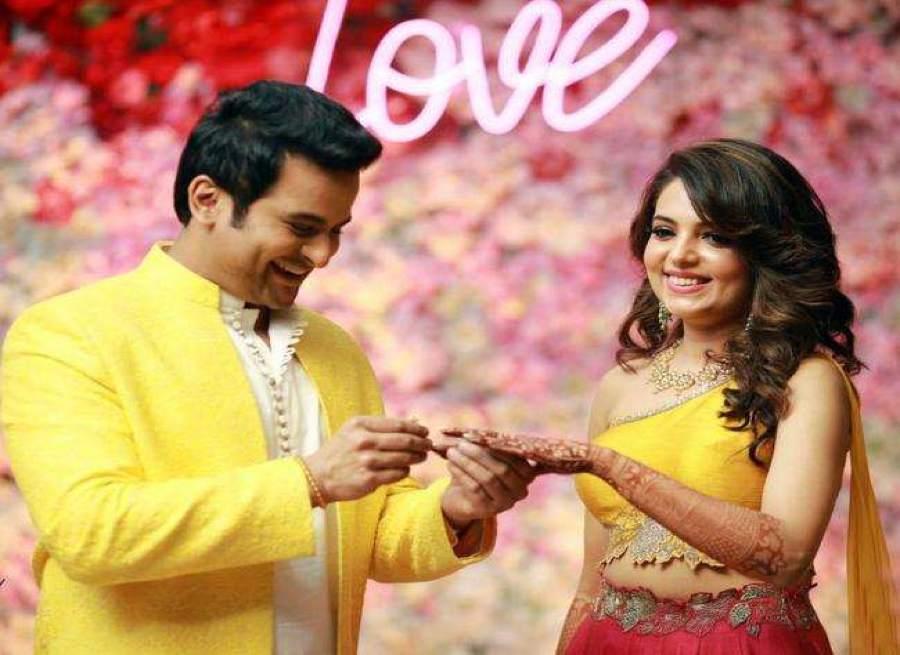 sugandha sanket wedding pic