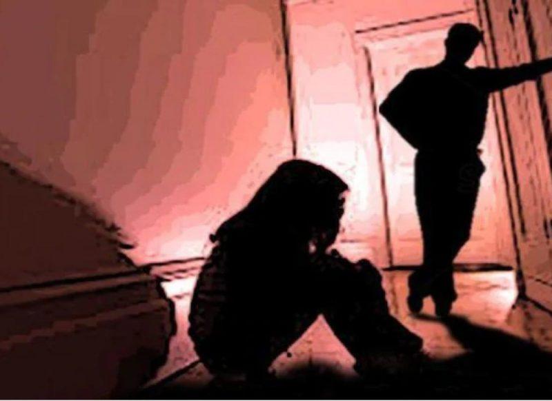 हैवान पिता के दुराचार को सहती रही दो नाबालिग बहनें, तीसरी को बचाने के लिये ऐसा फैसला
