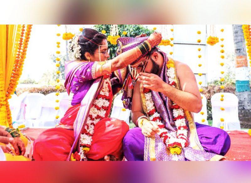 मंडप में दुल्हन ने दूल्हे को पहनाया मंगलसूत्र, सोशल मीडिया पर इस अनोखी शादी की हो रही चर्चा