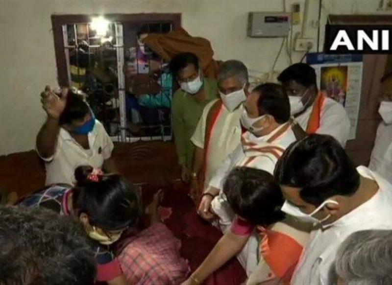बीजेपी कार्यकर्ता के घर पहुंचे जेपी नड्डा, कहा घसीटकर पीटा, पत्नी के दांत तोड़ दिये