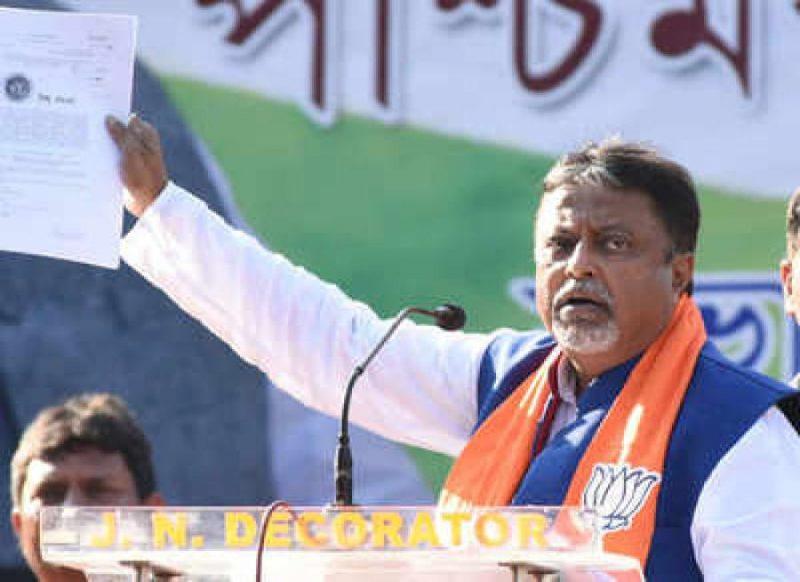 बीजेपी को लग सकता है बड़ा झटका, कोलकाता में आज बैठक, TMC में जा सकते हैं मुकुल रॉय