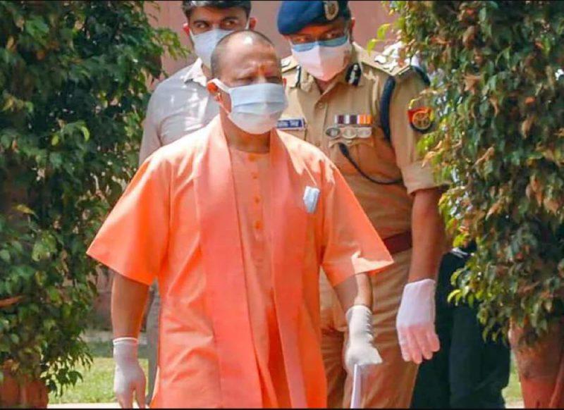 स्वतंत्र देव और सुनील बंसल के साथ मीटिंग में ऐसा क्या हुआ, कि योगी ने पकड़ी दिल्ली की राह